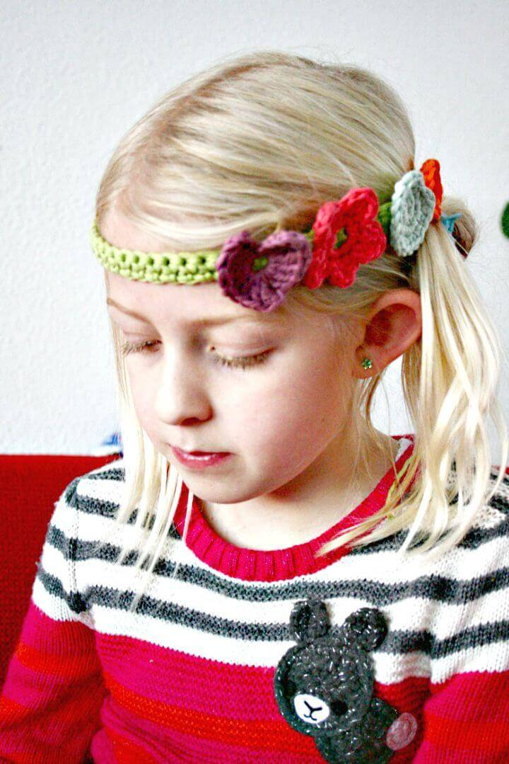 Adorable Free Crochet Lovely Hair Band Pattern