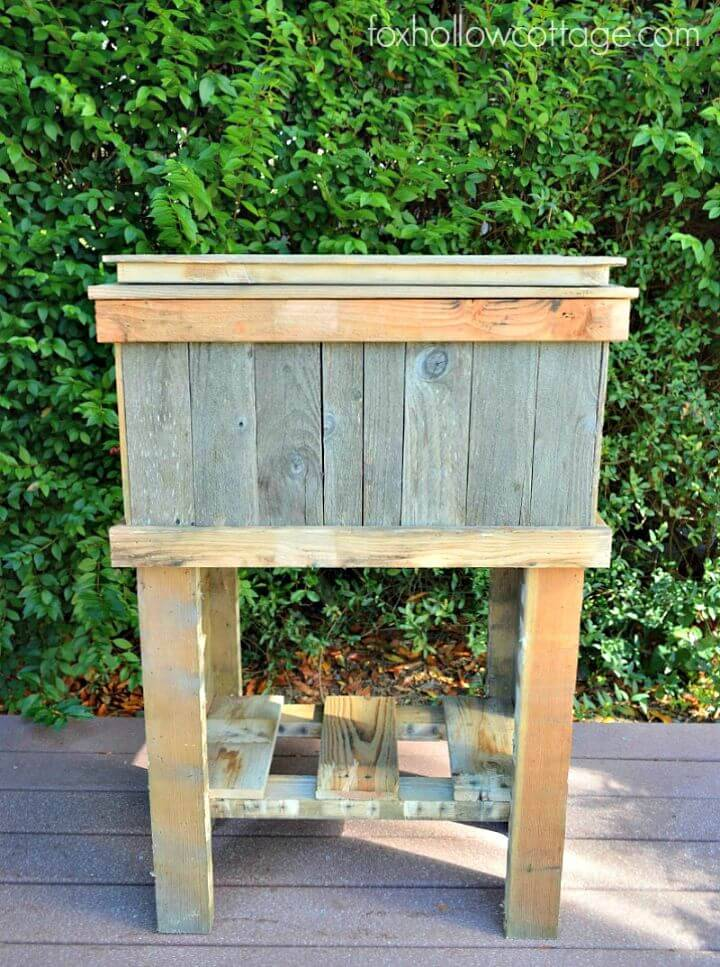 Easy How To Build A Wood Deck Cooler Out Of Pallets Tutorial