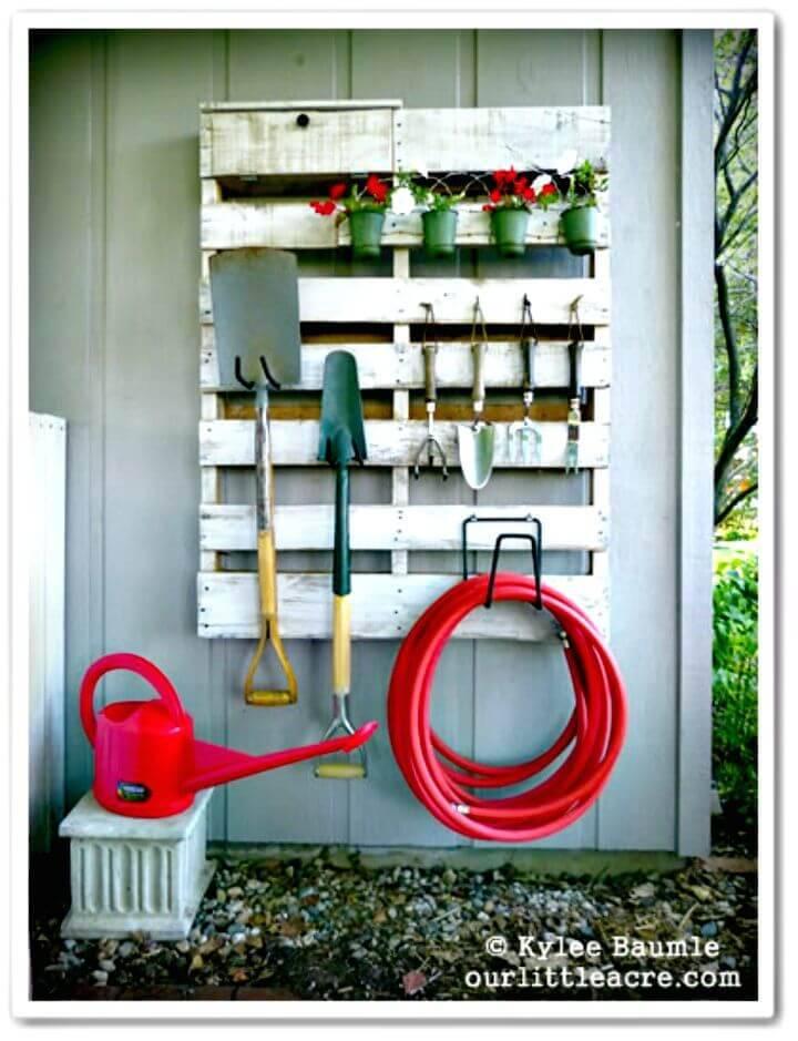 How To Build Pallet Gardening Tool Organizer - DIY