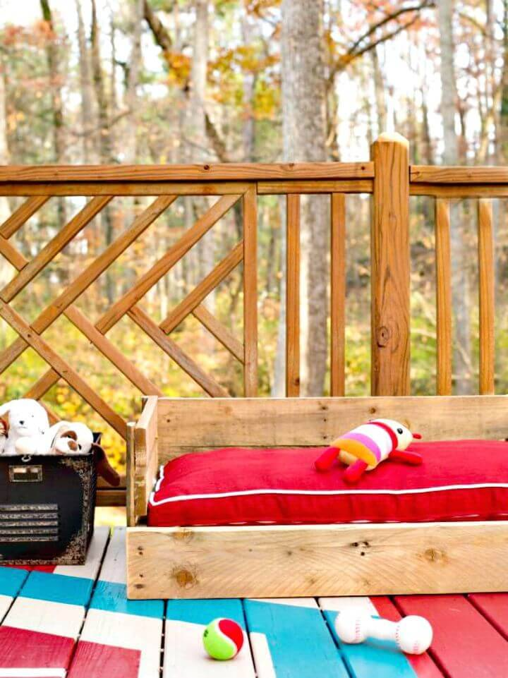 How To Build Your Own Pallets Outdoor Dog Bed - DIY