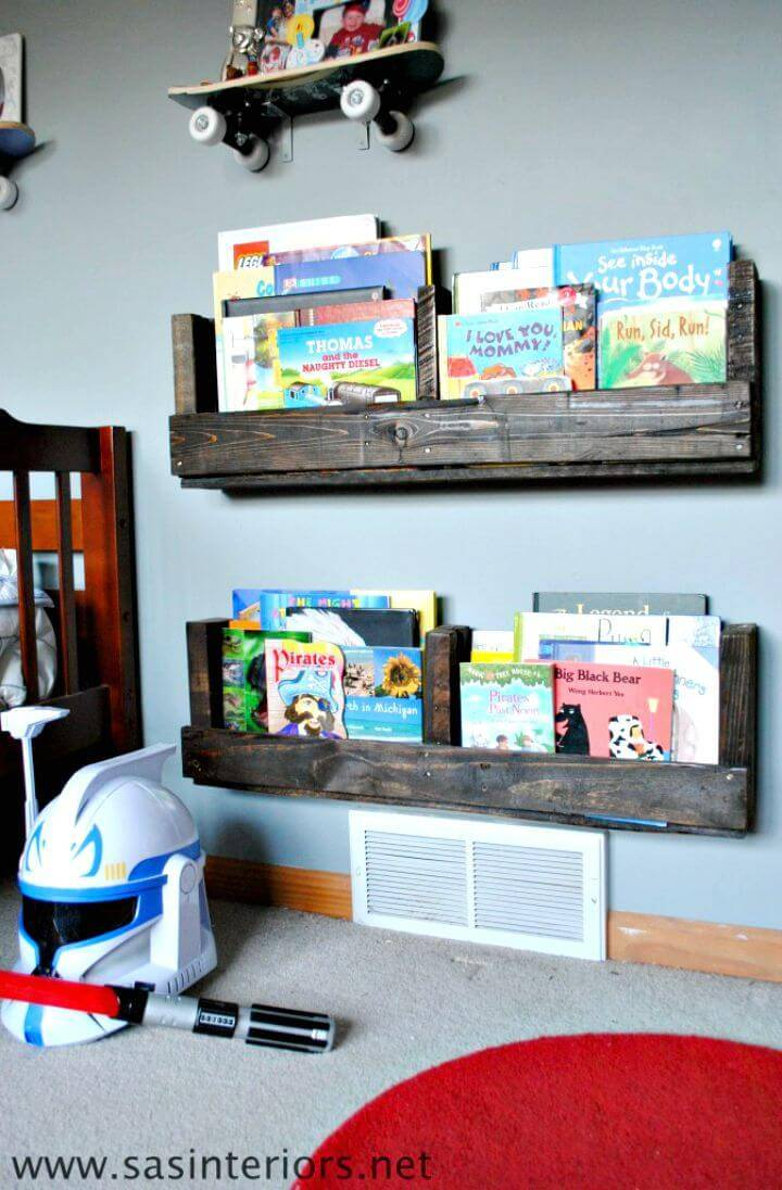 Build Your Own a Pallet Bookshelf - DIY