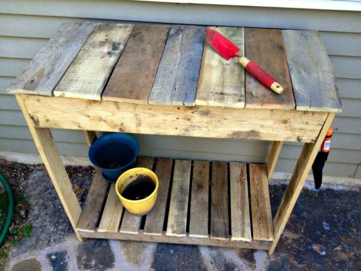 Easy How To Make A Pallet Potting Table - DIY