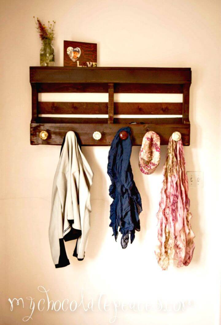 Easy DIY Chocolate Brown Pallet Coat Hanger Tutorial