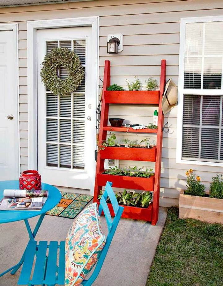 Simple And Easy DIY Planter Box Ladder