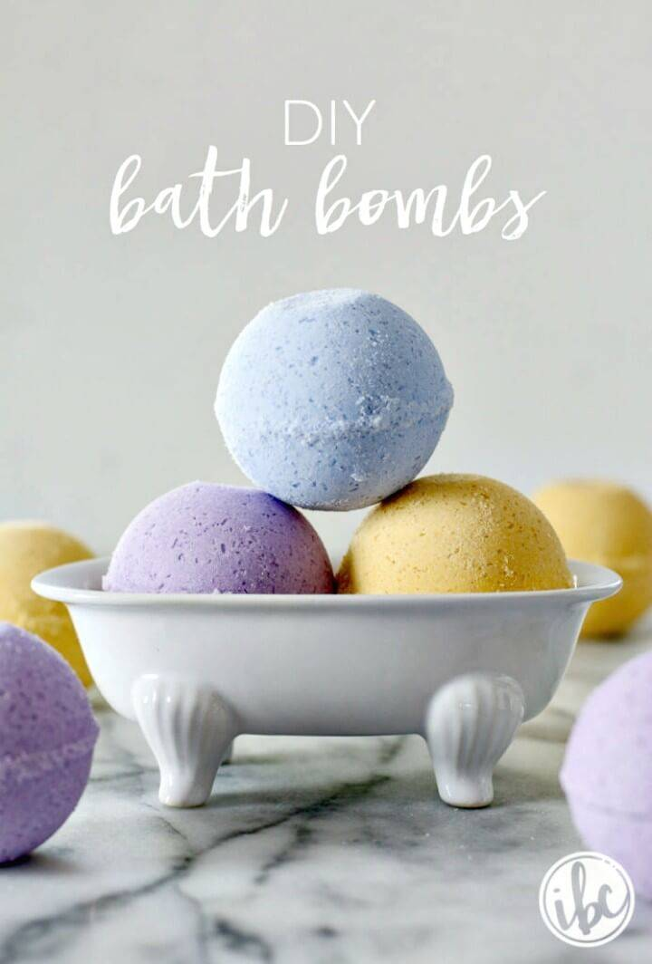 Simple How to Make Your Own Bath Bombs - Homemade Gift Idea