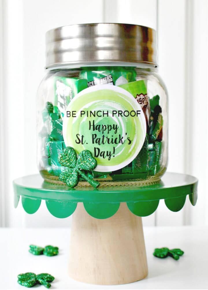 How to DIY Green Themed Mason Jar Gift