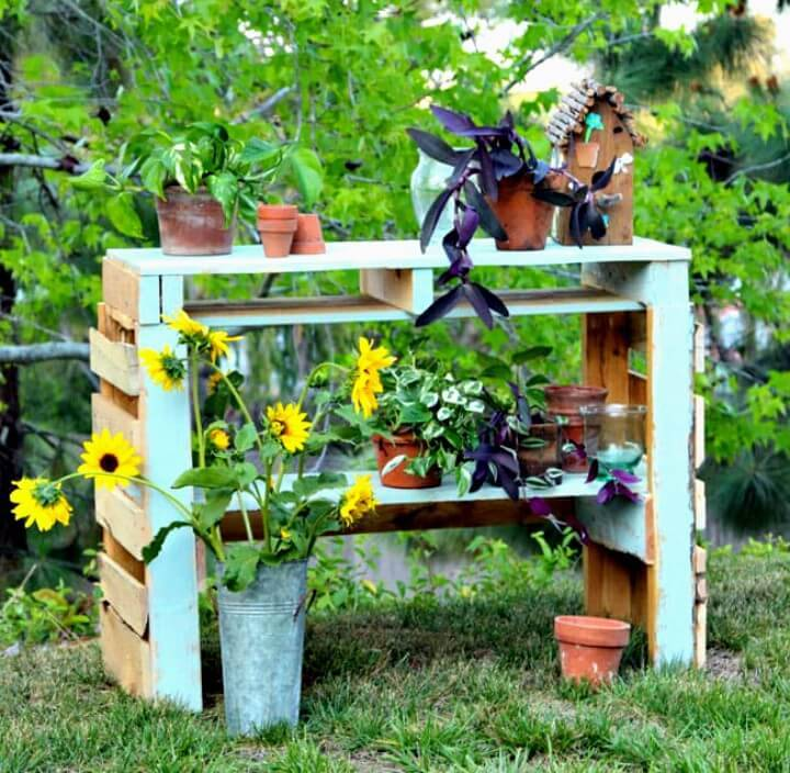 DIY Two Pallet Potting Bench - Garden Project
