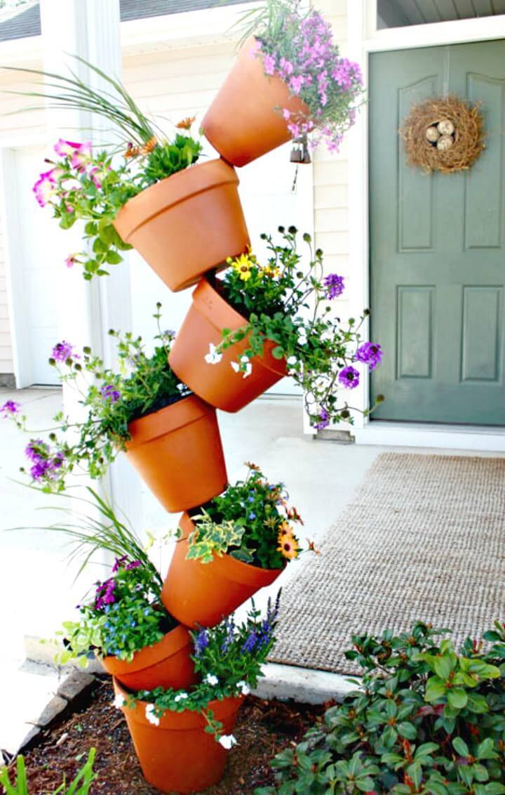 DIY Garden Topsy Turvy Flower Planter Project