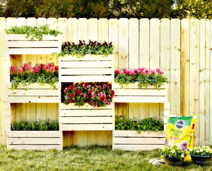 Easy DIY Wall Of Flowers In Your Garden