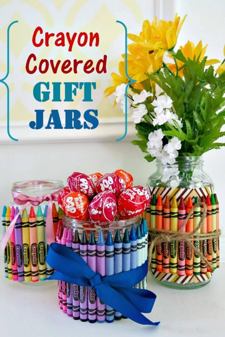 How to Make Crayon-Covered Jars for Party Favors & Gifts - DIY Mason Jars Crafts