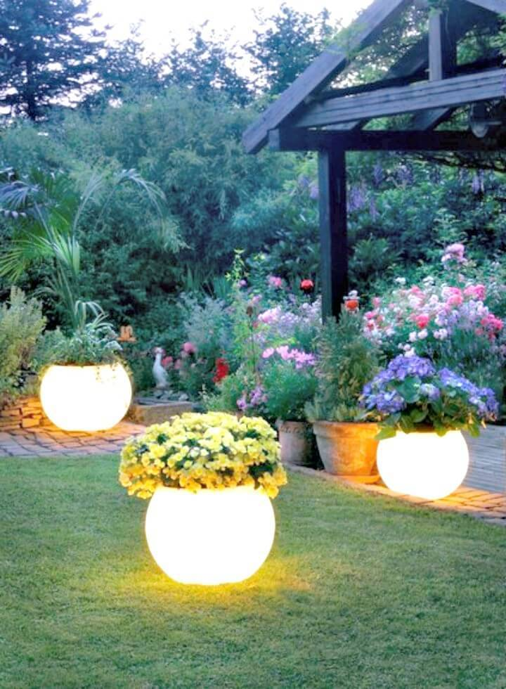 Gorgeous DIY Glow In The Dark Planters
