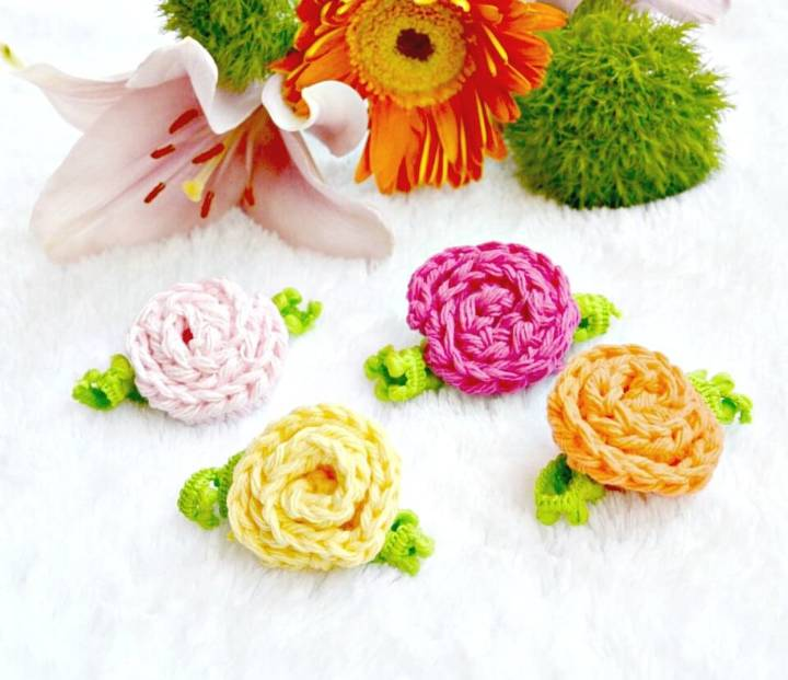 Quick and Easy How To Crochet Little Deco Roses for Spring Pattern