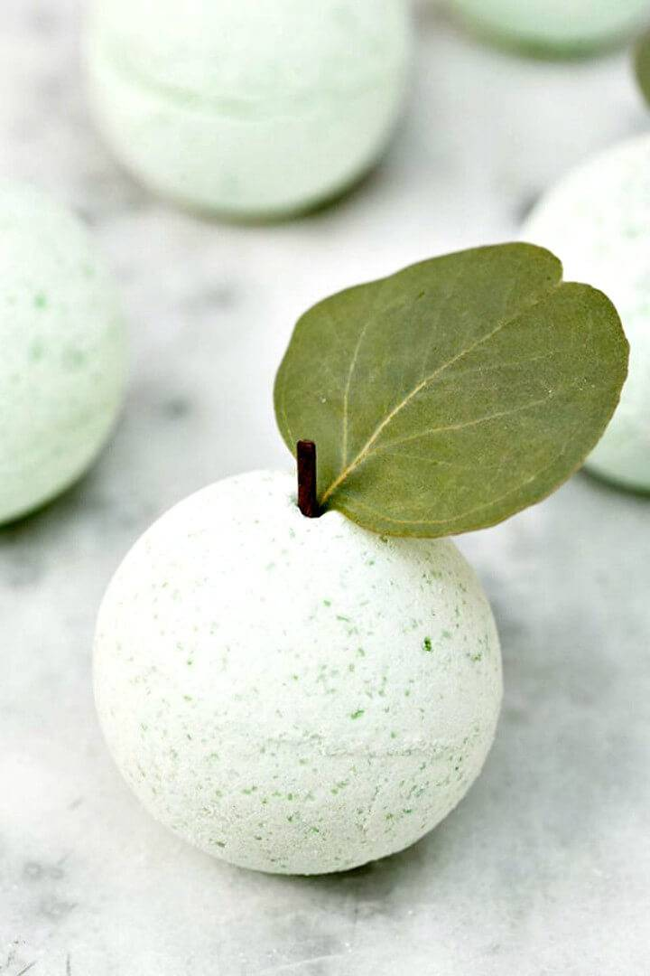 Easy DIY Green Apple Bath Bombs Recipe