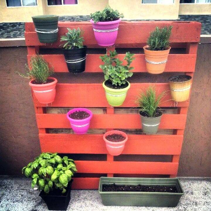 How to Build Vertical Pallet Garden - DIY