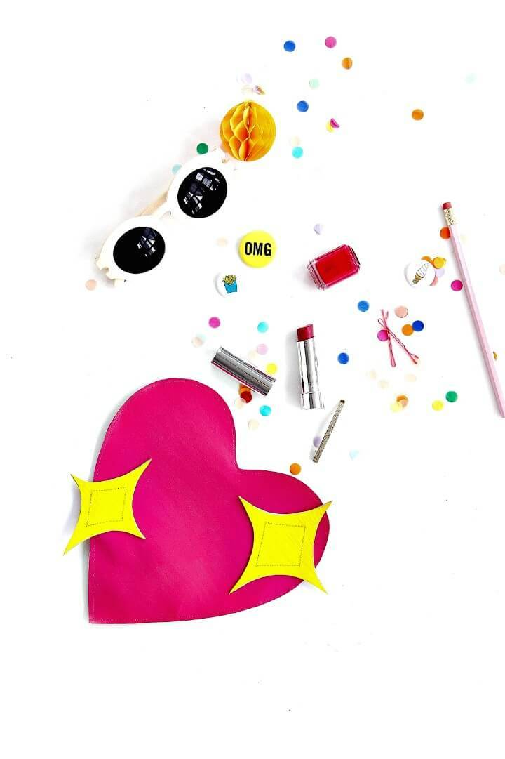 How to DIY Emoji Heart Clutch