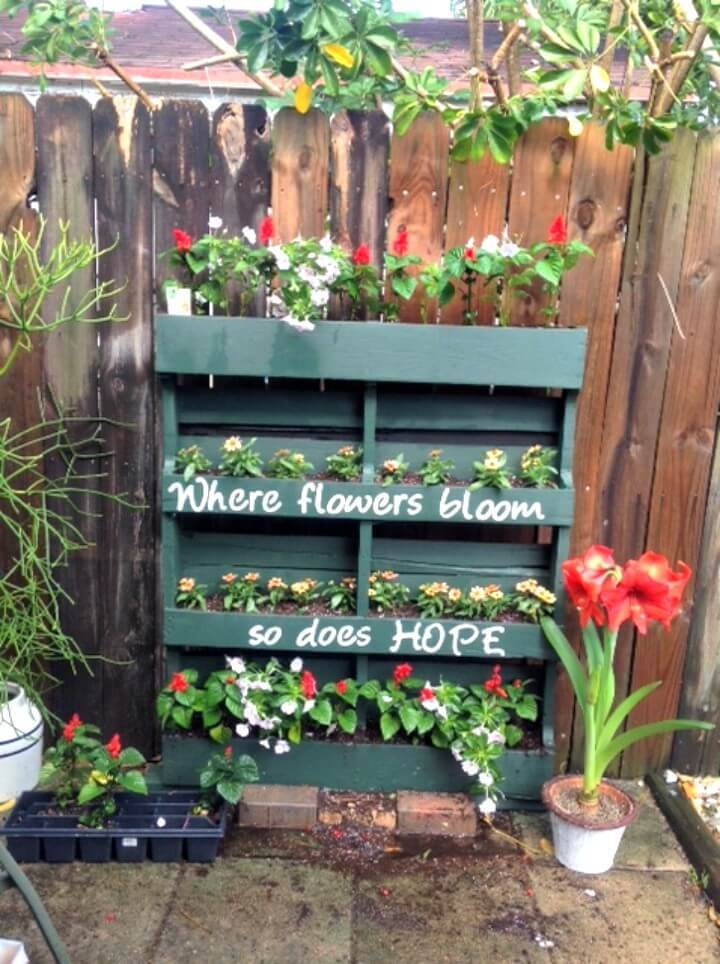 Create Your Own Vertical Pallet Garden - DIY