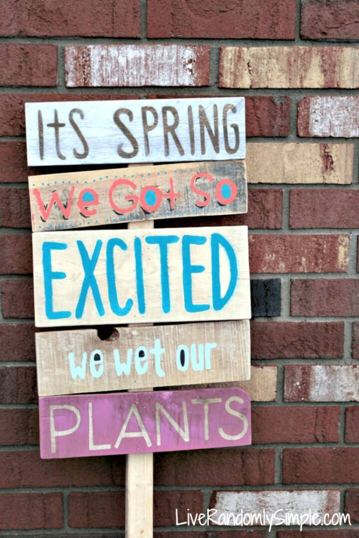 "DIY ""Spring is Here"" Wooden Garden Sign - Spring Sign Idea"