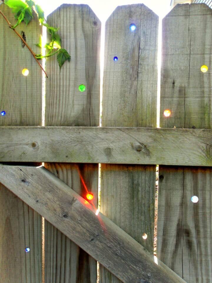 DIY Brighten Up a Basic Fence of Backyard