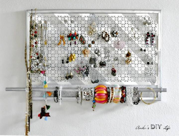 Quick DIY Jewelry Wall Organizer