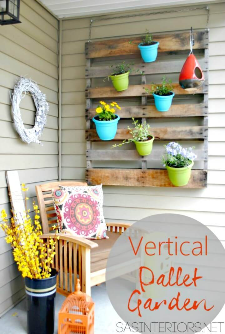 DIY Porch Pallet and Pots Wall Art