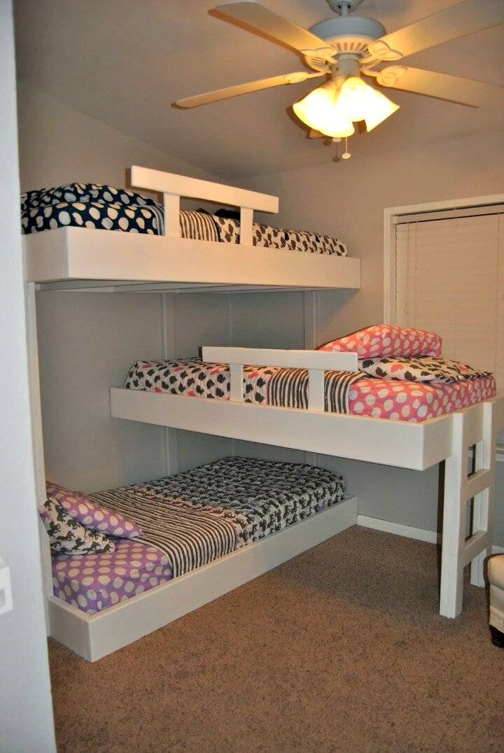 Adorable DIY Triple Bunk Bed Tutorial
