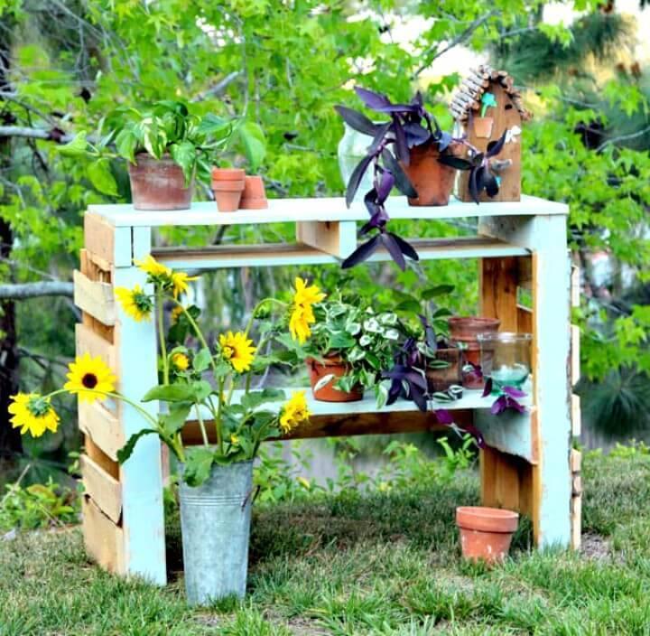 DIY Two Pallet Potting Bench - Backyard Ideas