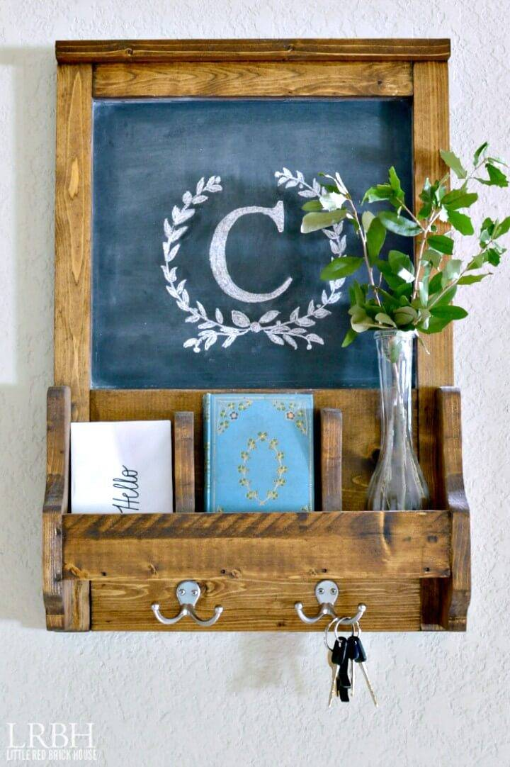 Gorgeous DIY Wall Organizer with Chalkboard