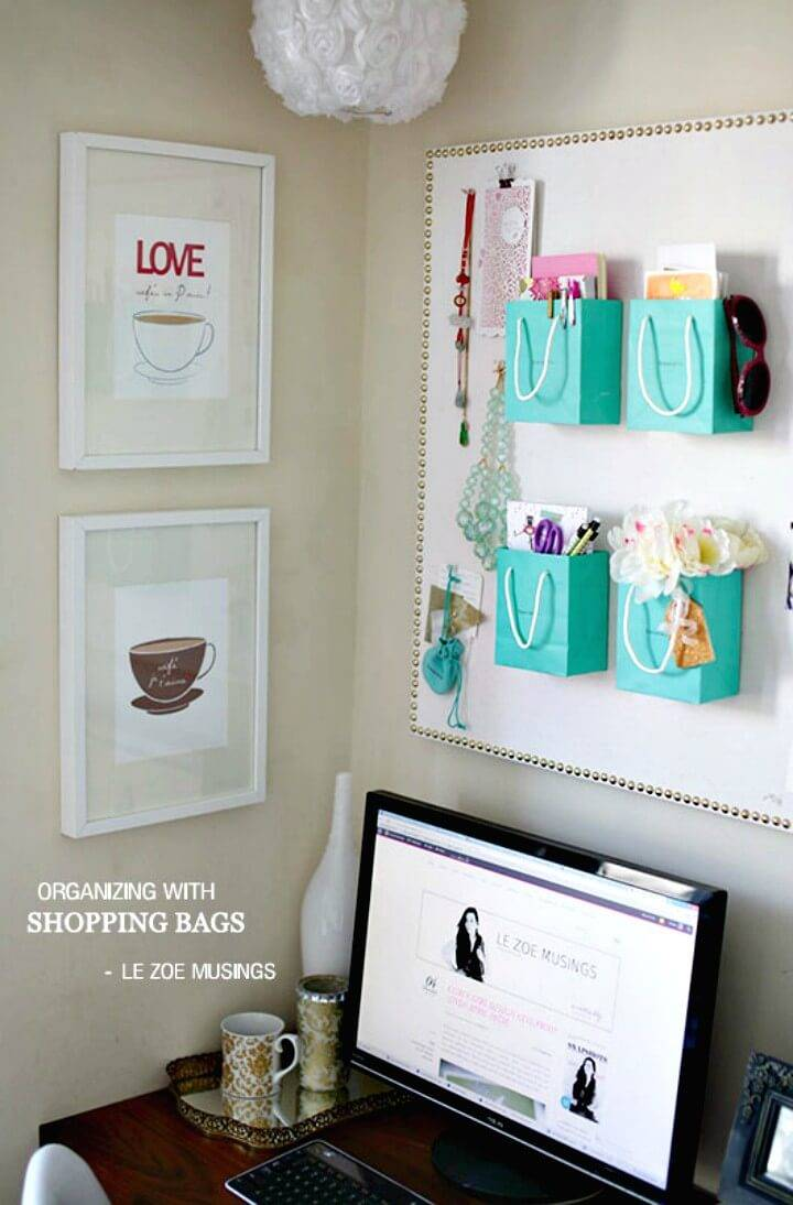 Make DIY Wall Organizing With Shopping Bags