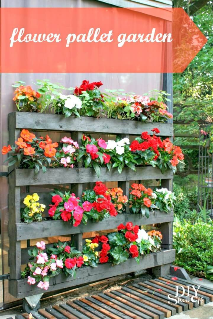 Easy DIY Flower Pallet Garden