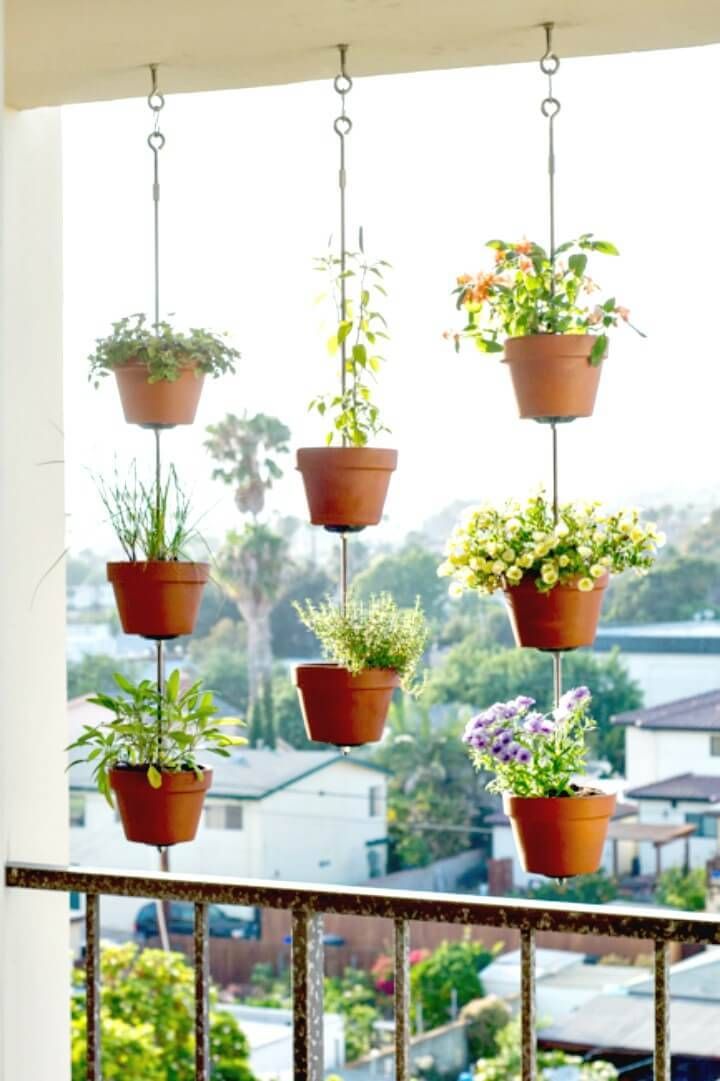 Beautiful DIY Vertical Garden - Patio & Porch Decor Ideas