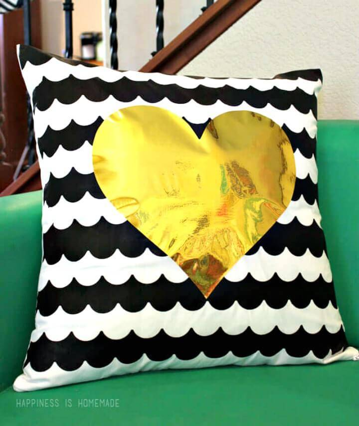 Easy and Cute DIY Scalloped Stripe Pillow With Metallic Gold Heart