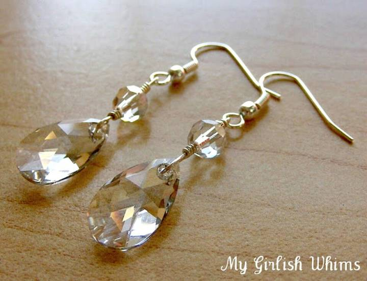 Adorable DIY Wire Wrapped Crystal Earrings