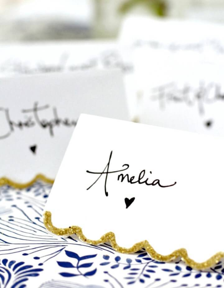 Adorable DIY Gold Scalloped Place Card Tutorial