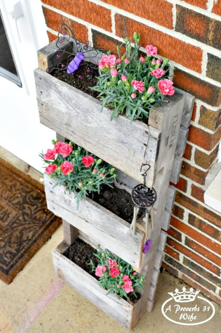 Simply Build A Pallet Planter for Butterflies - DIY Pallet Garden Projects