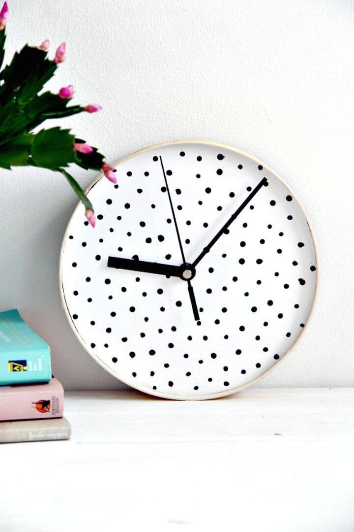 DIY Dotted Wall Clock Gift Idea