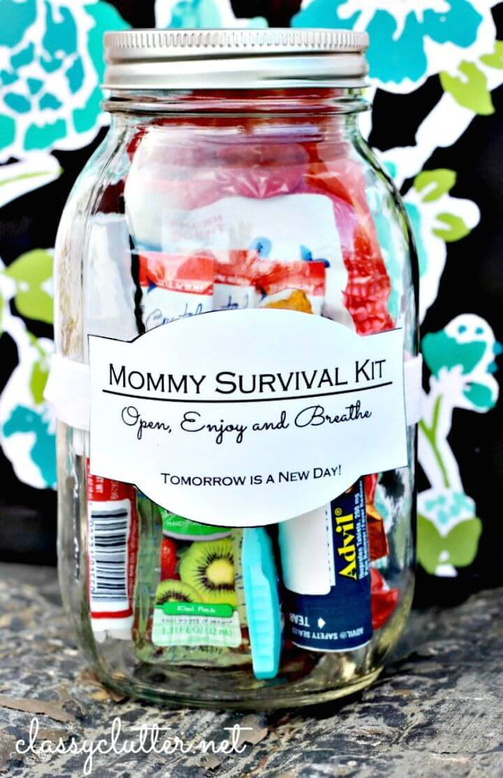 Adorable DIY Mommy Survival Kit in a Jar - Mason Jar Crafts