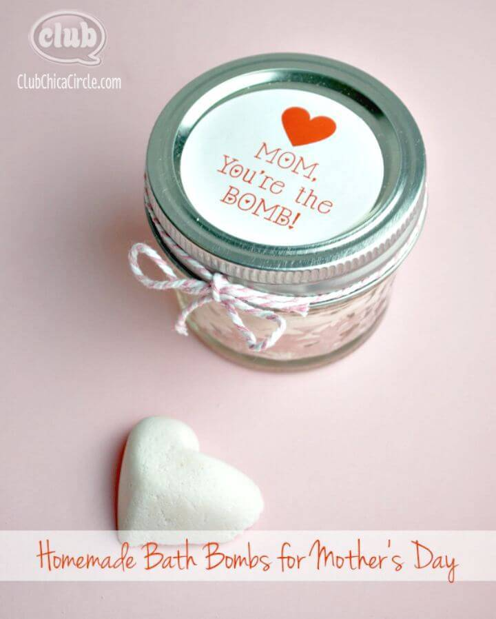 Adorable Homemade Bath Bombs Gift Idea - DIY