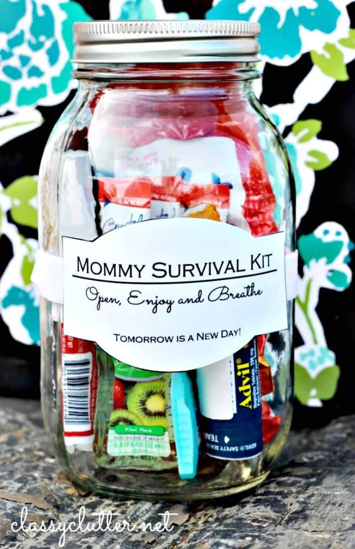 Build Mommy Survival Kit In A Jar - DIY Mothers Day Gifts