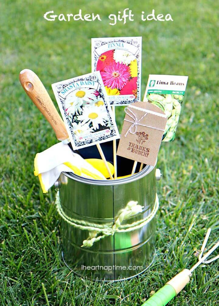Cute DIY Mothers Day Gardening Gift