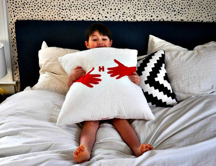 DIY Hug Pillow For A Mom
