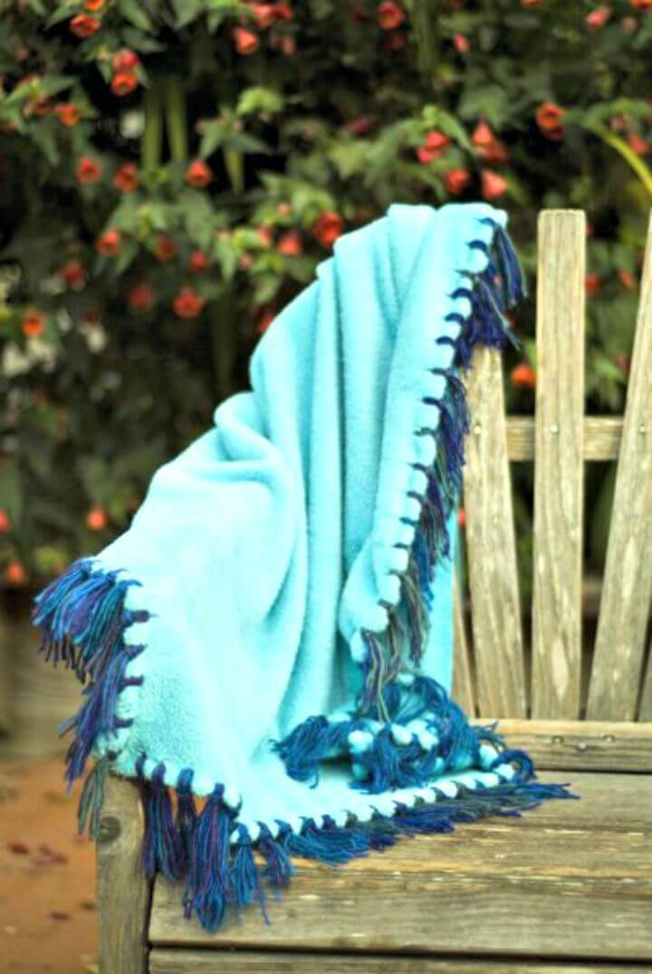 Make No-Sew Blanket with Yarn Fringe