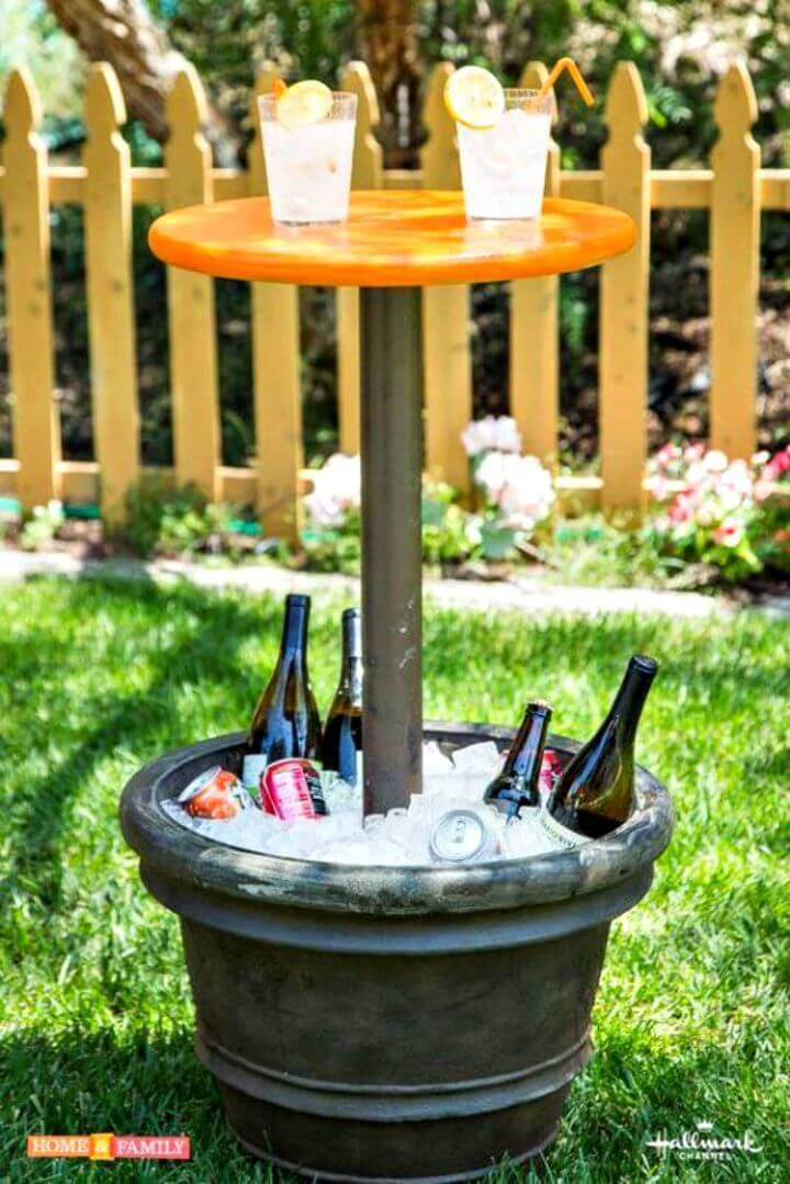 Easy DIY Outdoor Entertainment Table