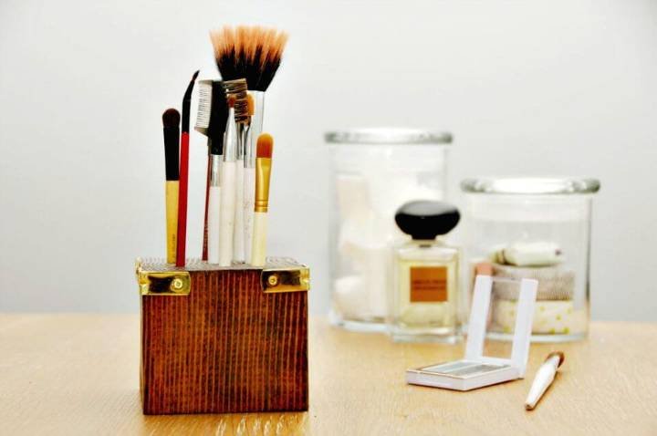 How to DIY Scrap Wood Makeup Brush Holder