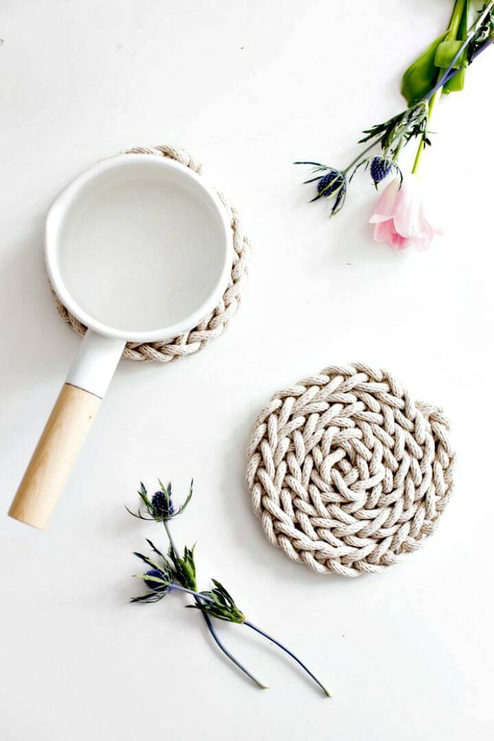 Easy DIY Finger Knit Rope Trivet - Mothers Day Gifts