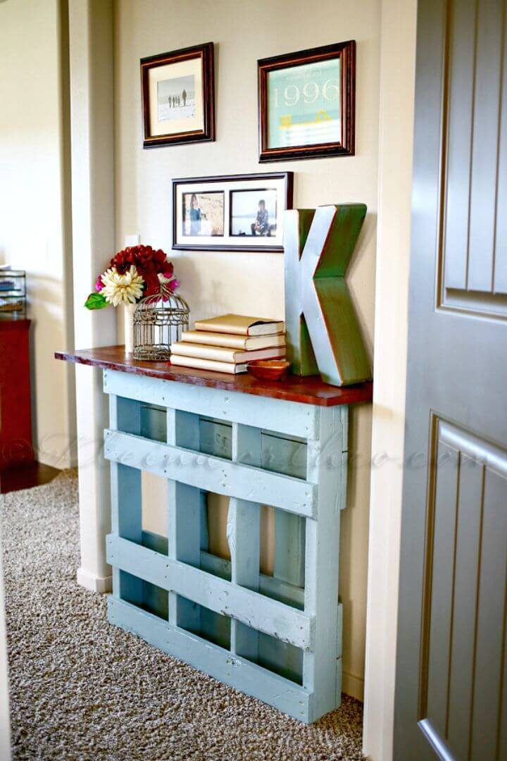 Gorgeous DIY Pallet Console Table to Sell