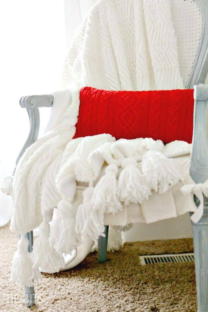 Gorgeous DIY Tassel Throw Blanket