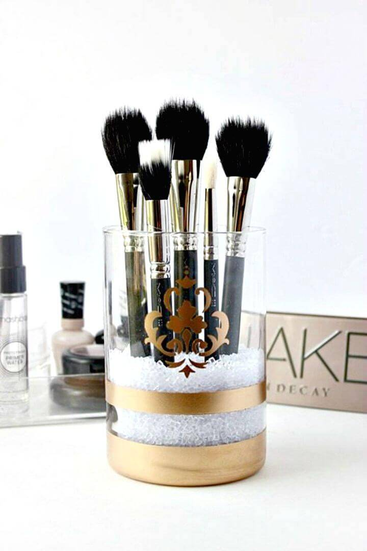 How To Make Gold Spray Painted Makeup Brush Holder - DIY