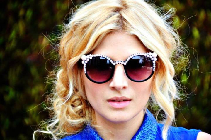 How To Make Pearl Encrusted Sunglasses - DIY
