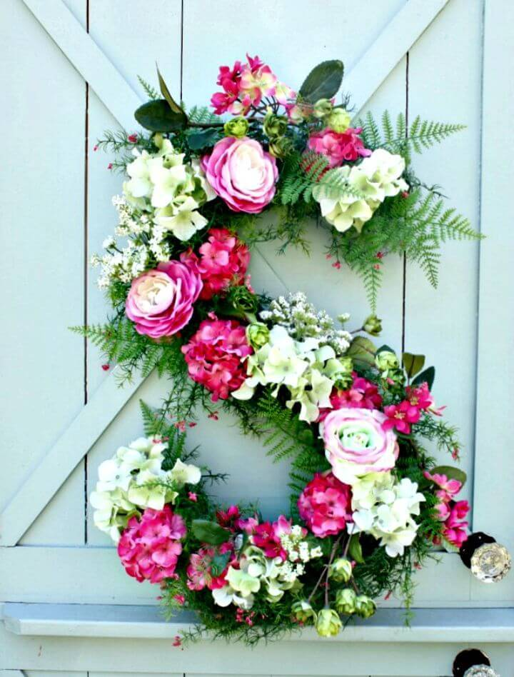How To Make Summer Monogram Wreath - DIY