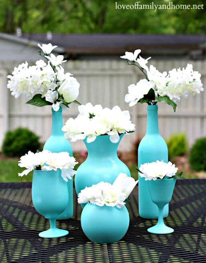 Inexpensive DIY Spray Painted Vases - Centerpiece Ideas
